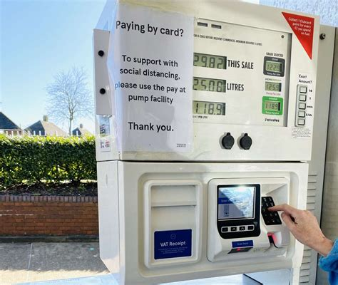 Coronavirus: This is how safe it is to fill up with petrol