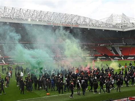 Manchester United Fans' Anti-Glazer Protest Forces