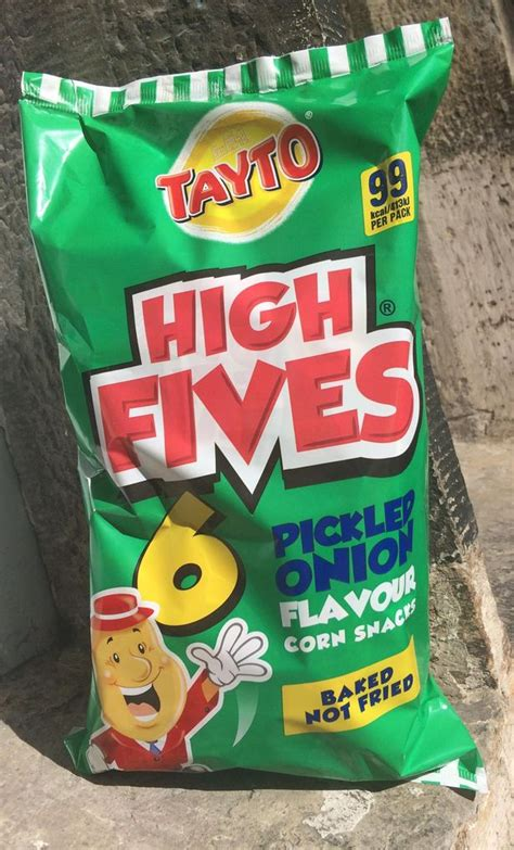 Tayto are bringing back Pickled Onion-flavoured Fives