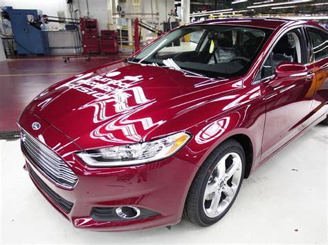 Ford recalls 65,000 cars for ignition key problem - CBS News