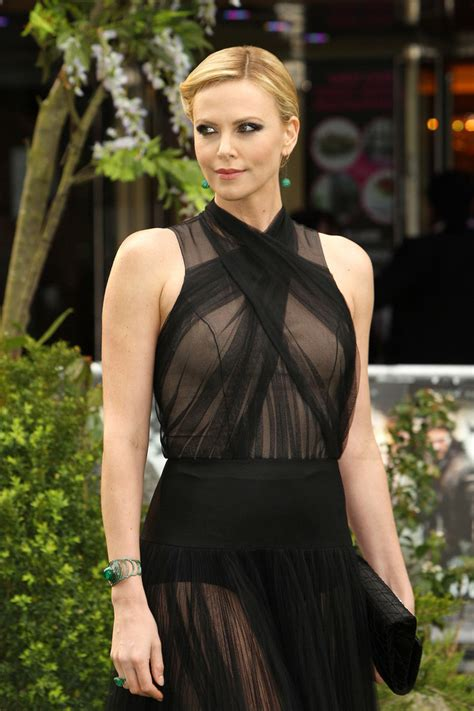 Charlize Theron - Charlize Theron Photos - Stars at the