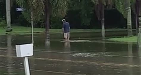 Drainage issues cause flooding in Marco Island neighborhood